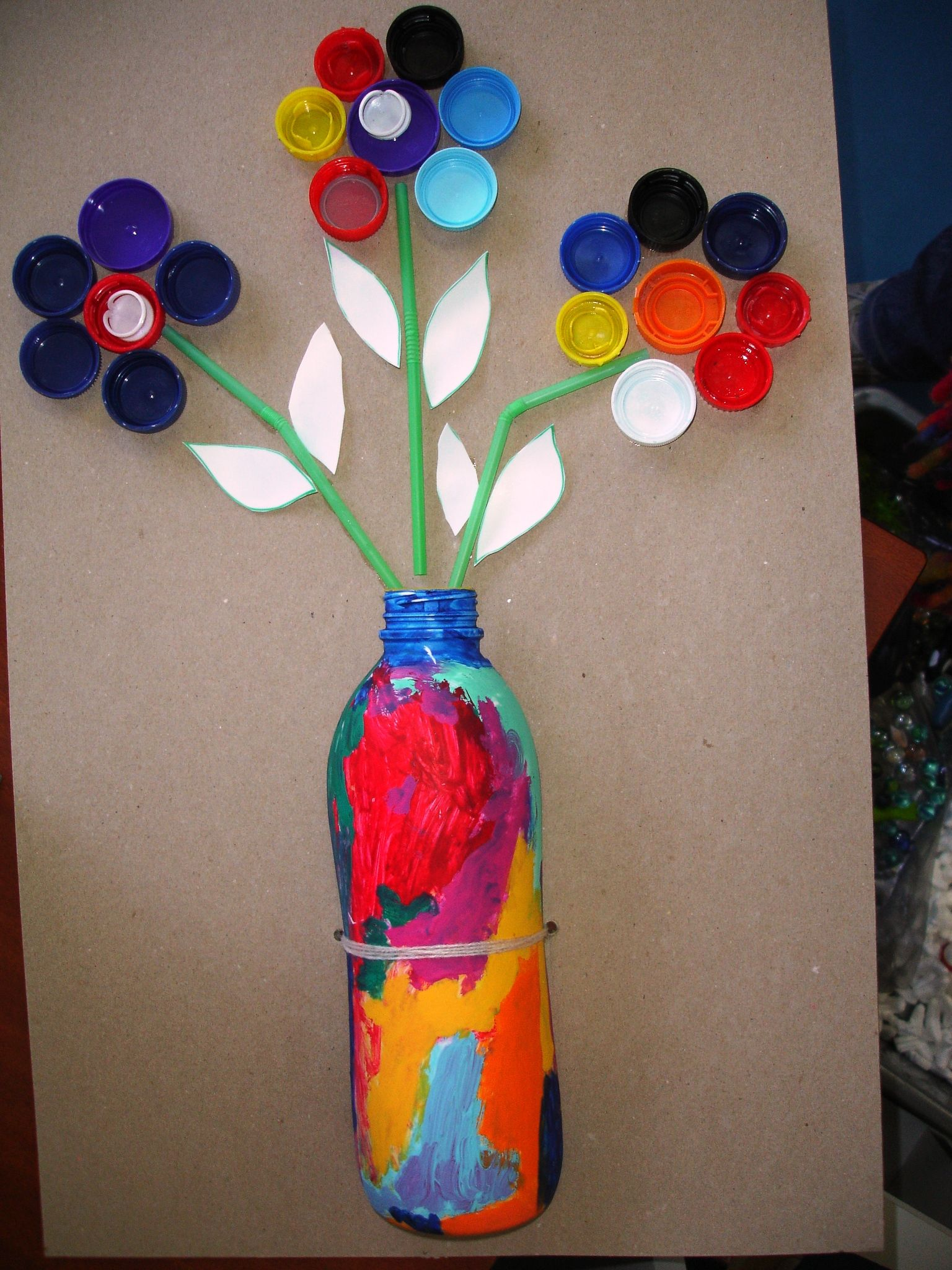 Cute Flower Project Use A Plastic Bottle For The Vase And Caps
