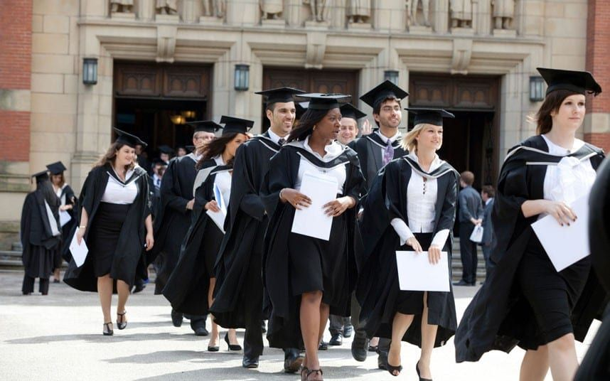 Private school pupils 'get better degrees and jobs