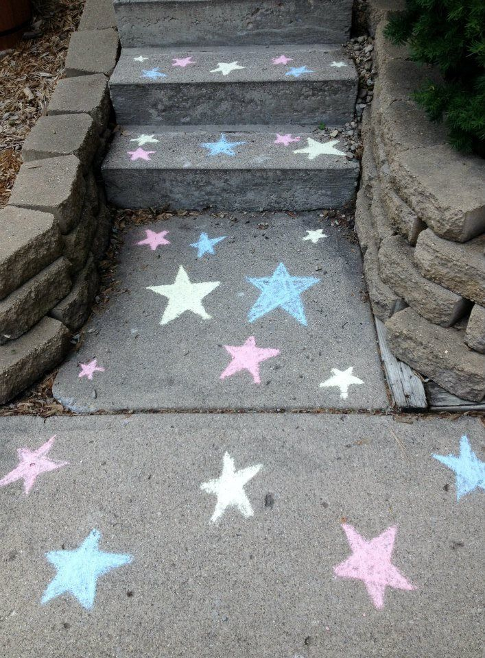 katelyn 39 s superhero party sidewalk chalk stars super hero party pinterest geburtstag. Black Bedroom Furniture Sets. Home Design Ideas