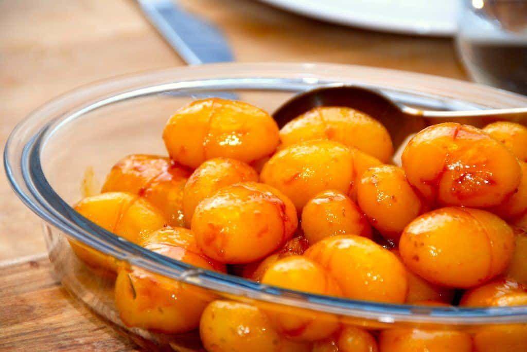 Brunede kartofler med sukkervand (nem opskrift) via @madensverden #brunedekartofler