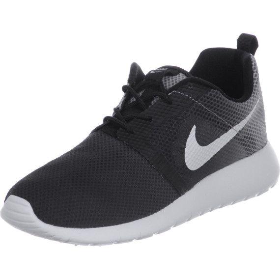 Schlicht und trotzdem Weiß so schön Nikes in Schwarz und Weiß trotzdem passen zu cdb663