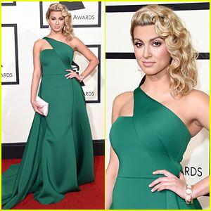 Wavy Pinned Style On Tori Kelly 2016 Grammy Awards