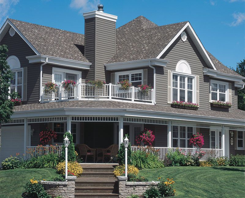 Journeymen Select Siding Royal Building Products House Siding Traditional Home Exteriors House Designs Exterior