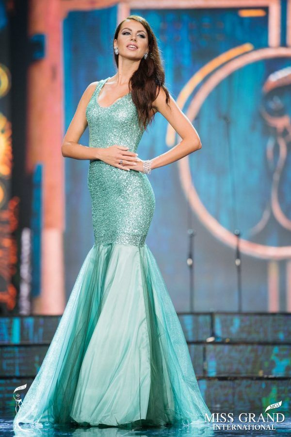 Miss Grand Slovakia 2017 Evening Gown: HIT or MISS | Pinterest ...