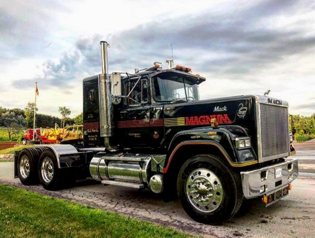 Mack Superliner Mkii Prime Mover Mack Trucks Old Mack Trucks Big Trucks