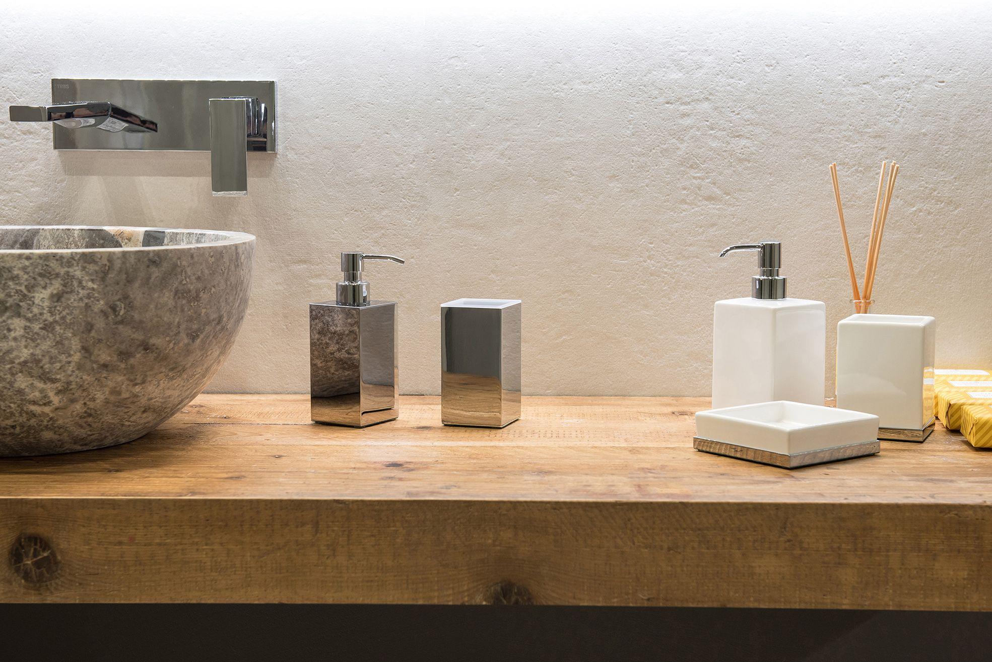 set di #appoggi per #lavandino #bagno in #ottone #cromato e ...