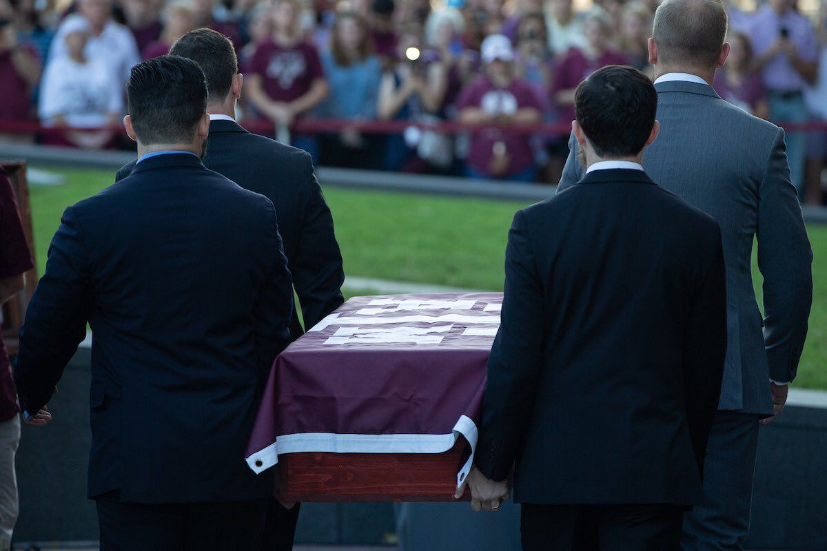 Miss Reveille Viii Ma Am Funeral August 30th 2018 This Is Her Casket Being Carried By Her Past Six Mascot Corporals Her Handlers Took Excellent Care Of Their