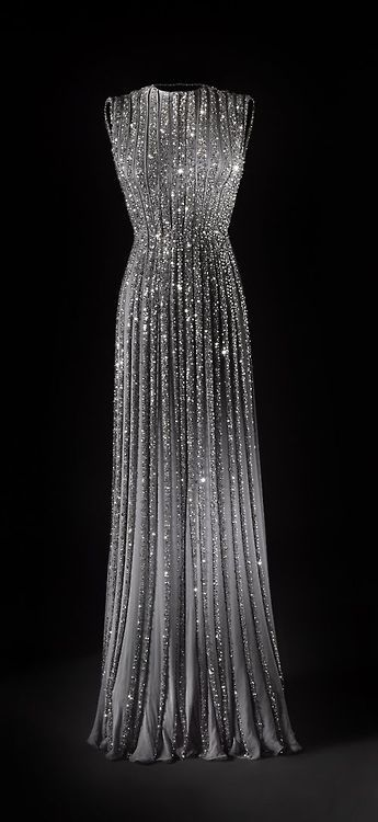 de2d344851f 1940s....Oh my goodness.....I love this dress....WOW