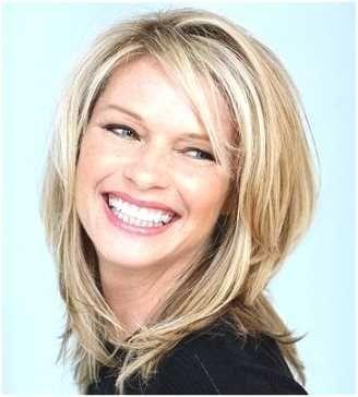 Stufenschnitt Damen Mittellang Haare Pinterest Hair Styles