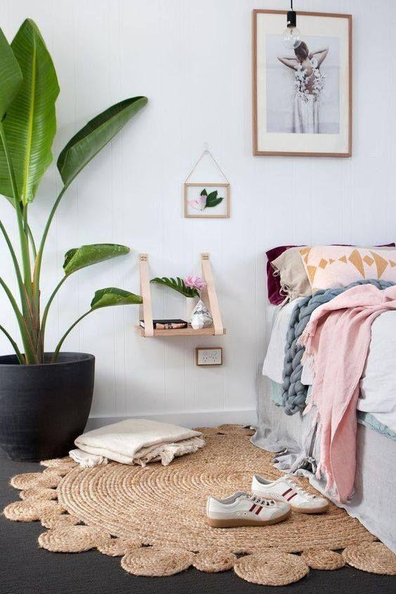 De belles plantes dans une jolie chambre à coucher For the Home