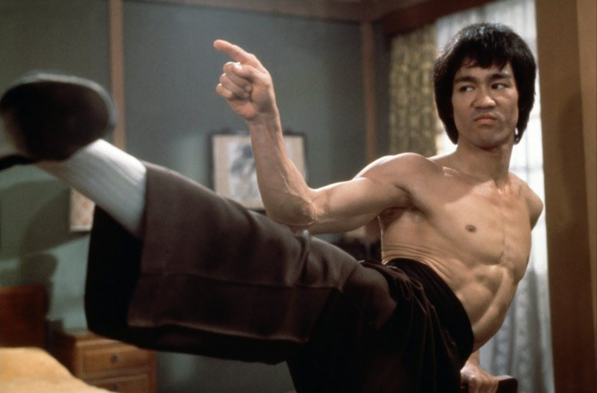 Detailed Instruction On Every Move From Bruce Lee S Martial Arts