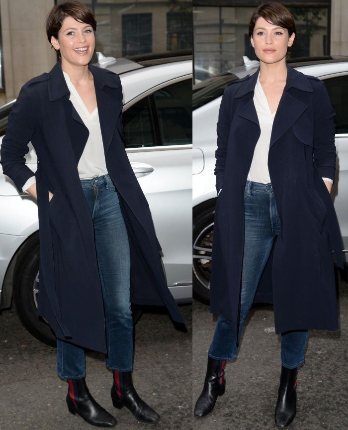 00f63e879 Gemma Arterton finished off her look with minimal makeup and her signature  cropped haircut.