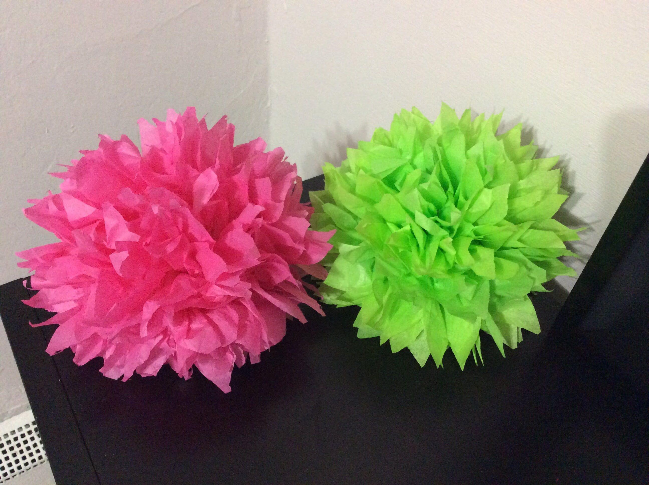 Pompones De Papel Crepe Super Facil Pompones De Papel Como Hacer Pompones Cómo Hacer Flores De Papel