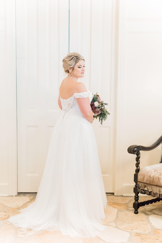 San Antonio Wedding Photography Www Annakayphotography Net Bridal Portrait Princess Wedding Dresses Wedding Dresses Lace San Antonio Wedding Photography [ 5347 x 3565 Pixel ]