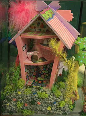 Photos of Dolls House Scale Homes and Gardens From the Seattle Dollhouse Show: Your Patience is Rewarded