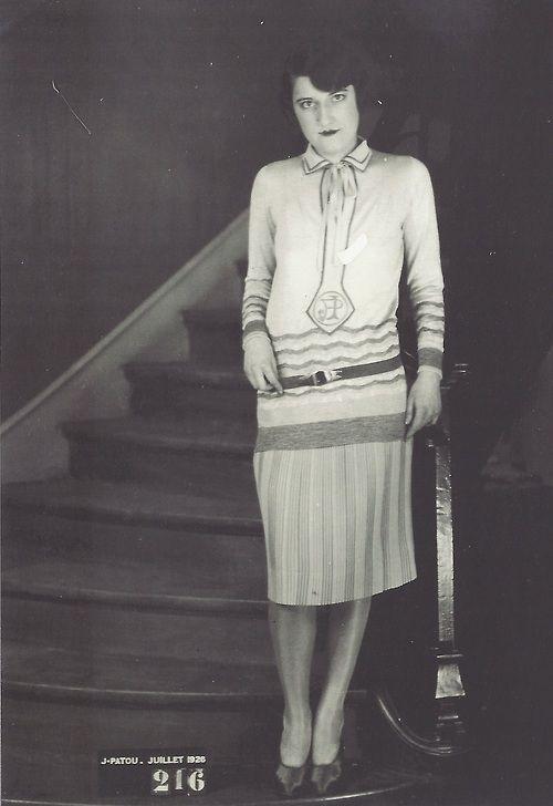 9a4d6eb2189 Modèle Jean Patou, août 1926 | 1920's fashion in photographs ...