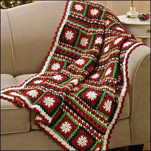 Red /& White CHRISTMAS WREATH CROCHET PATTERN C2