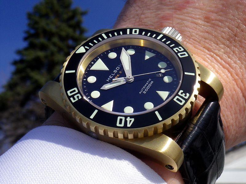 Helson Shark Diver 2000m bronze