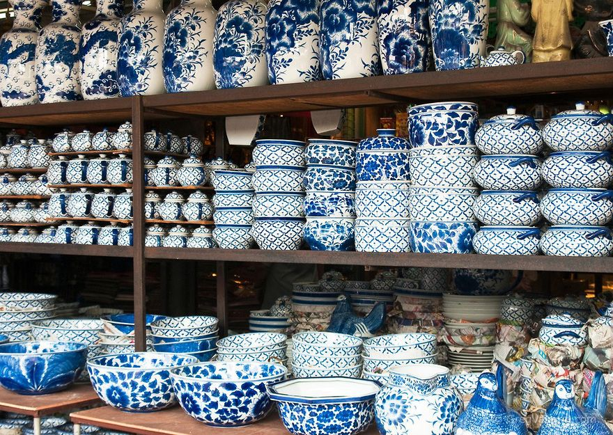 Thai Made Blue And White Ceramic Pottery For Sale At Chatuchak Weekend Market In Bangkok Thailand Thai Decor White Pottery White Ceramics