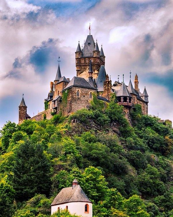 10 Best Places To Visit In Germany Tour To Planet Germany Castles Cool Places To Visit Beautiful Castles