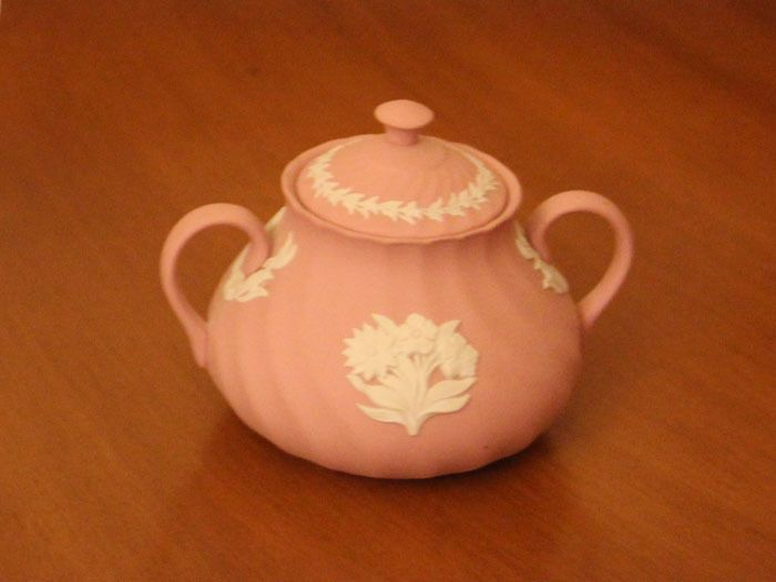 Wedgwood QUINCE Creamer and Sugar Bowl with Lid Set