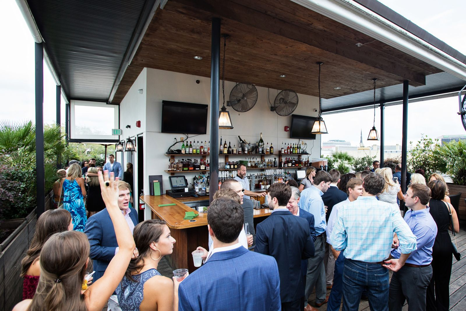 Best Rooftop Bar Charleston SC - Rooftop Drinks | Best ...