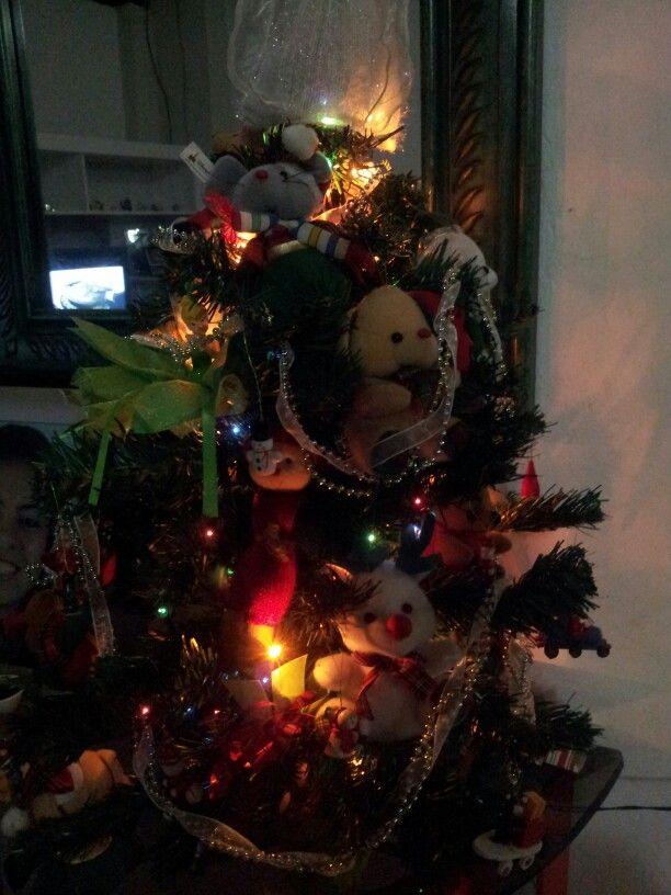 Árbol de navidad yule. Felices fiestas universo. Sin importar en que creas la energía de estos días es el amor