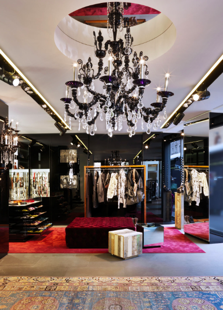 9c8e8efa4779 Dolce & Gabbana share with us the first images of their new just opened  concept store.