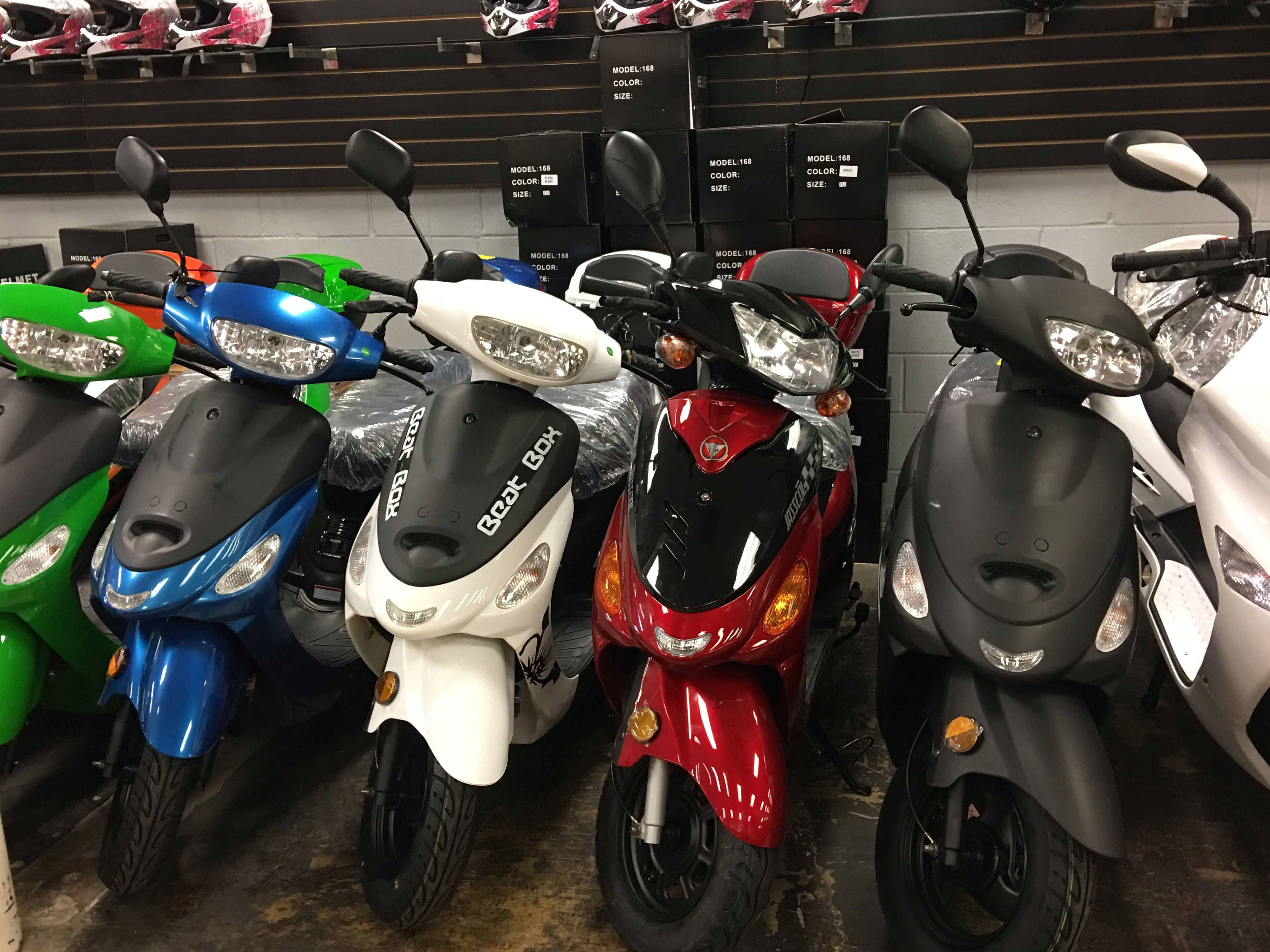 BRAND NEW SCOOTER 50CC Engine Size: 49cc Start Type