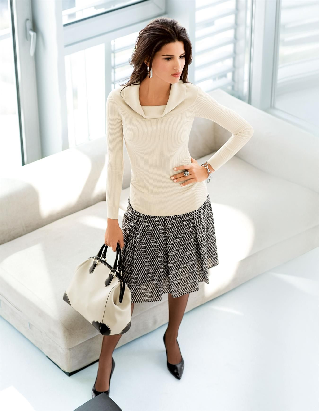 Jumper in the colors putty, black - light brown - in the MADELEINE online collection