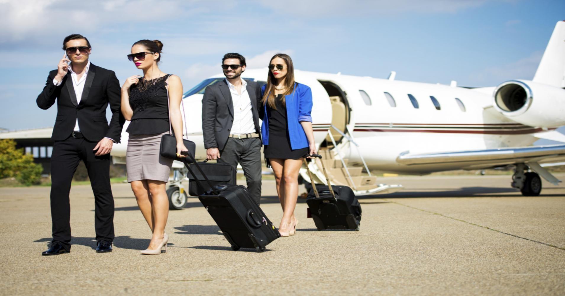Flightpath on Private jet, Luxury lifestyle women, Jet