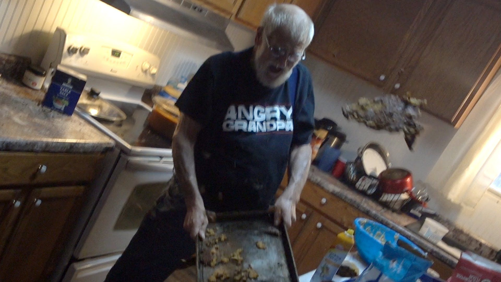 ANGRY GRANDPA'S CHRISTMAS COOKIE DISASTER!
