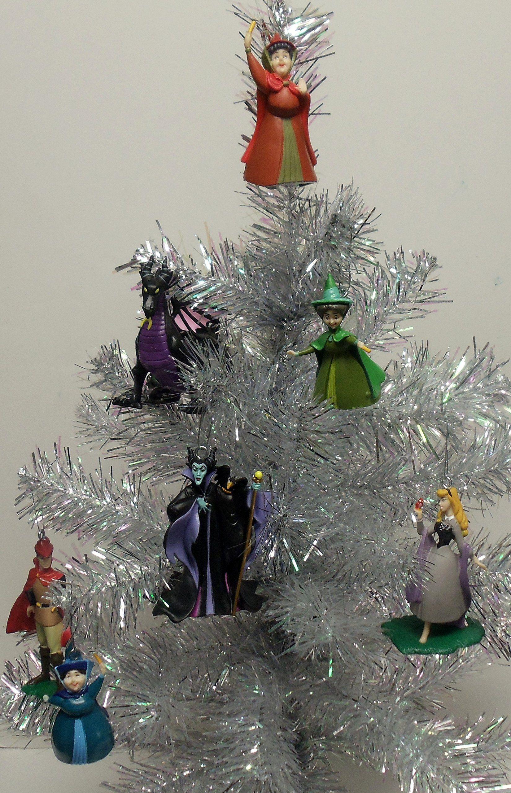 Disney tree ornaments - Amazon Com Disney Sleeping Beauty 7 Piece Holiday Christmas Tree Ornaments Featuring Princess Aurora