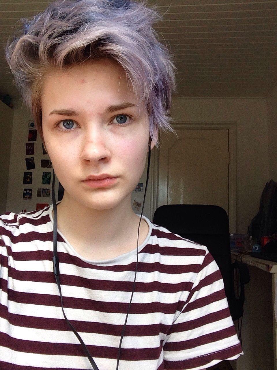 Non Binary Tumblr Hair Styles Short Hair Styles Lesbian Haircut