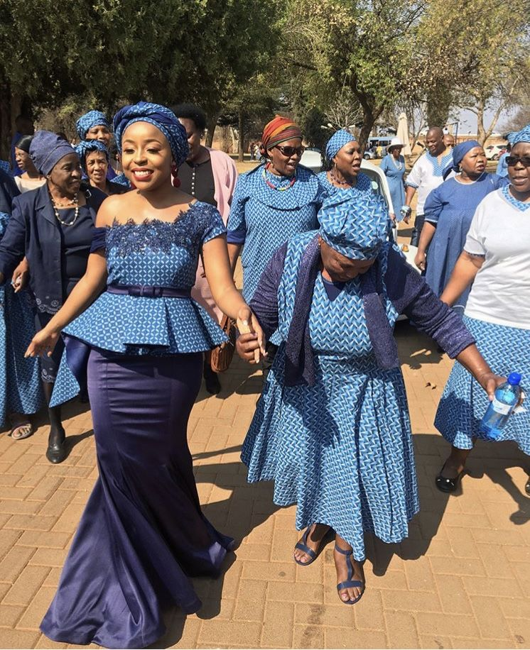 Traditional Wedding Dresses 2019 South Africa: Beautiful Bride 💙 #TswanaTradition #TswanaBride #SeTswana