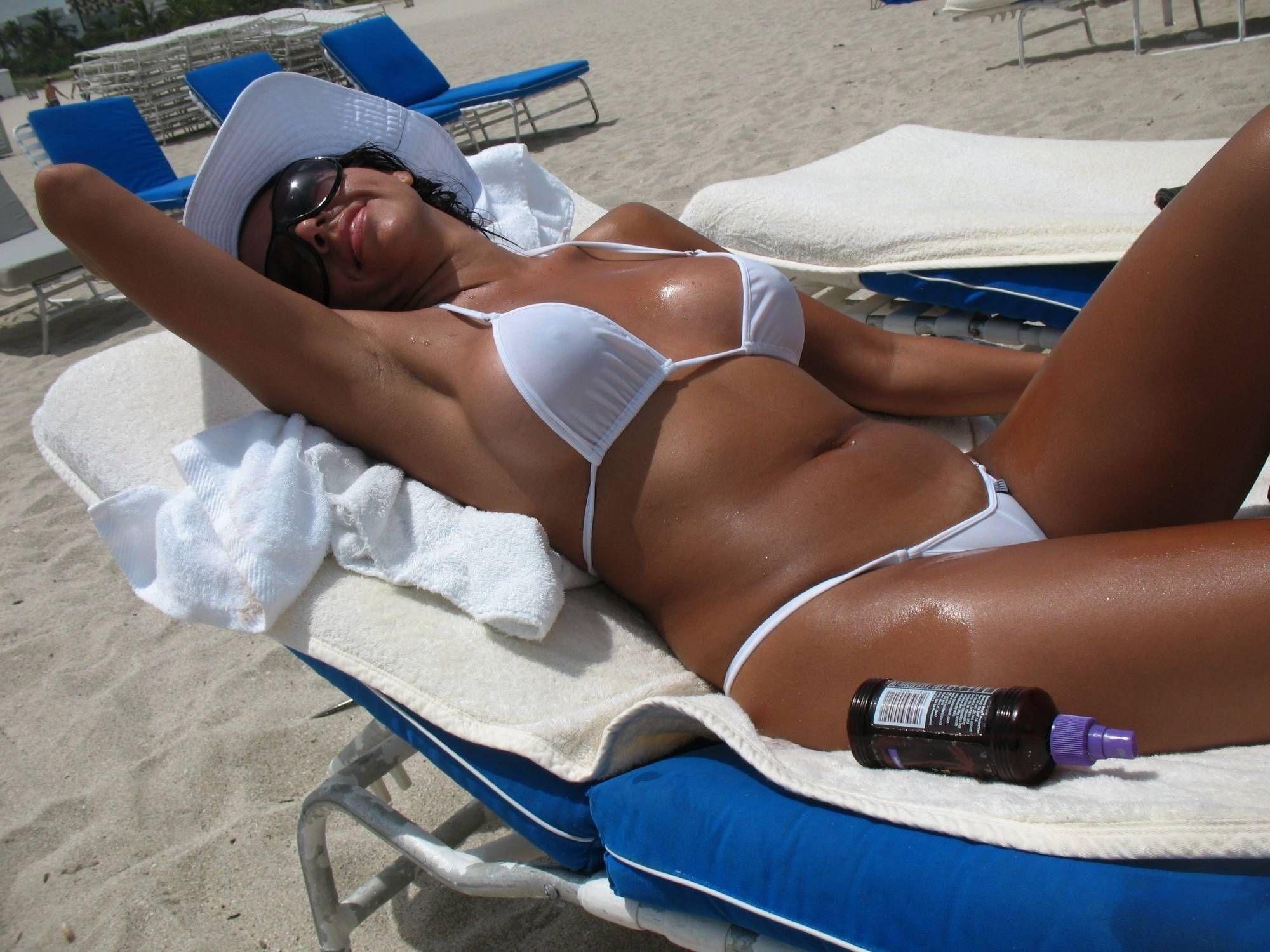 Pre tiny bikini babe milf