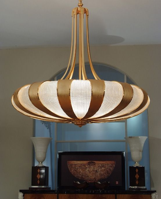 Impressive Chandelier Of 1 5 Mts Diameter Made In Gold Plated Bronze And Venetian Glass Panel Leaves Mariner Luxury Furniture Lighting