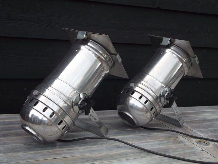 Paar Aluminium Art Galerie / Theater Spots Twee Art Galerie / Theater Spots.  Aluminium. Voorzien Van Werkende Lampen. Zeer Decoratief En Ideaal Voor ...