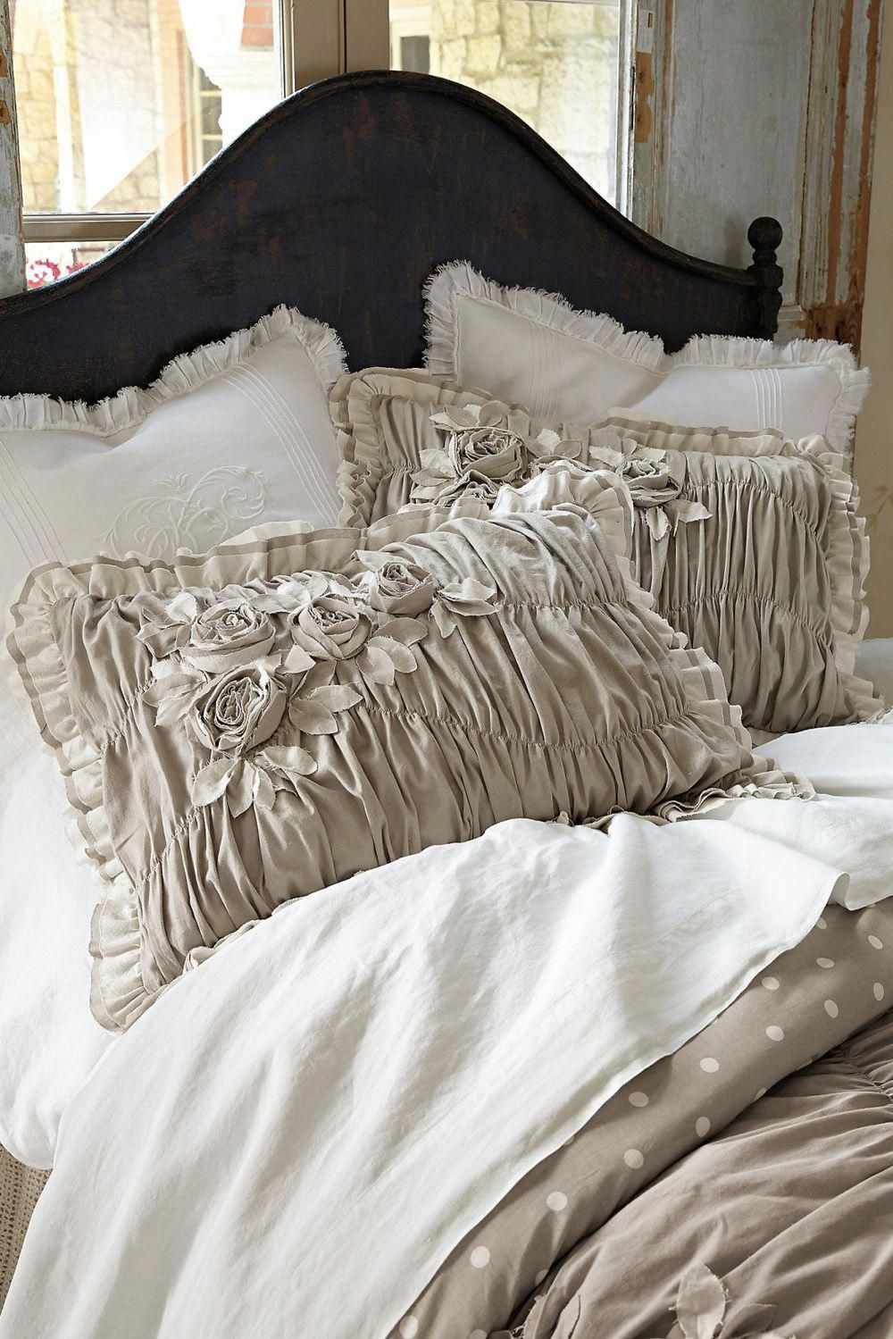 Photo of white shabby chic bedding Navigate to this web-site