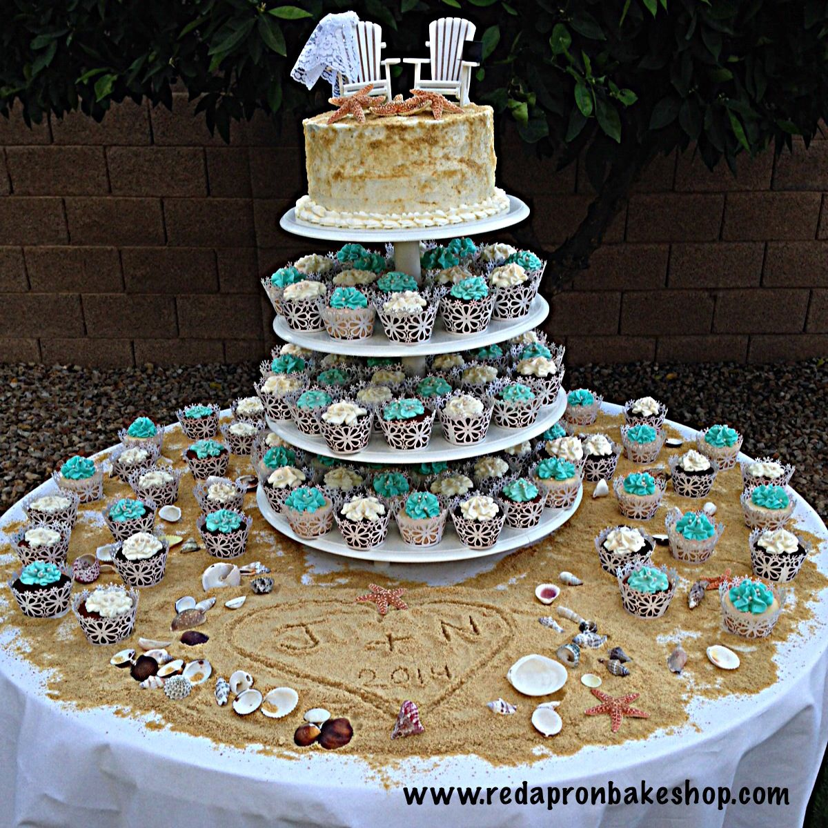 Beach Themed Wedding Cake With Cupcakes With Images Wedding