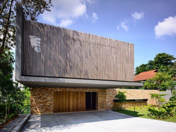 stores extérieurs en bois et pierre de parement naturelle du0027une