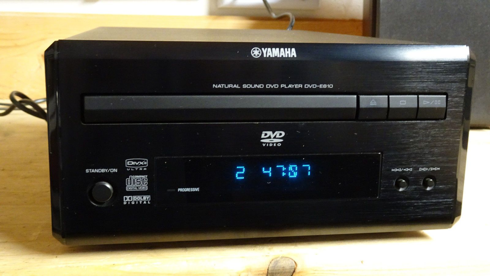 yamaha pianocraft dvd player e 810 eek. Black Bedroom Furniture Sets. Home Design Ideas