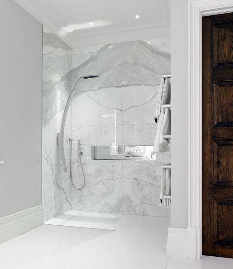 Marmor Im Bad Vor Und Nachteile Der Marmorfliesen Badezimmer Innenausstattung Badezimmer Renovieren Traumhafte Badezimmer