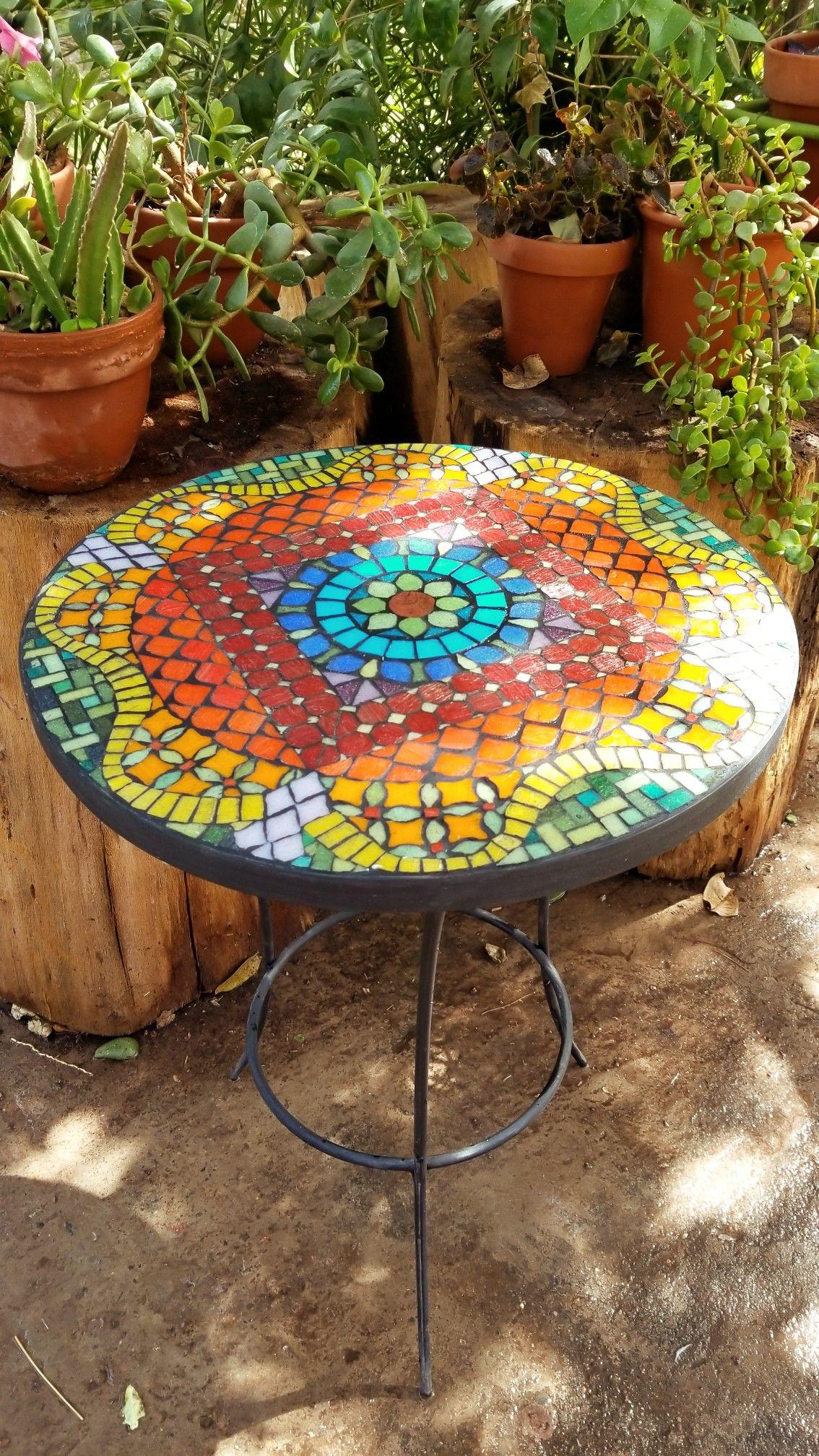 Mosaico mesa jardin colores mosaiquismo mandala for Mesa mosaico jardin