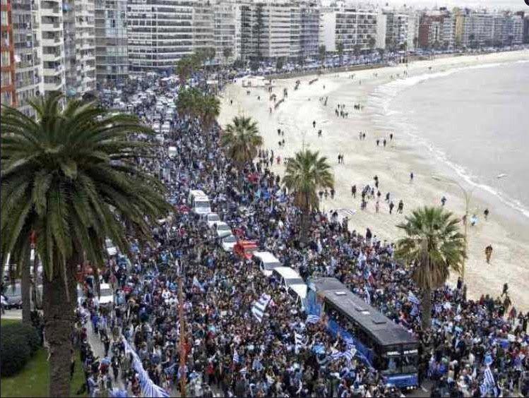 Image result for recibimiento uruguay 2010