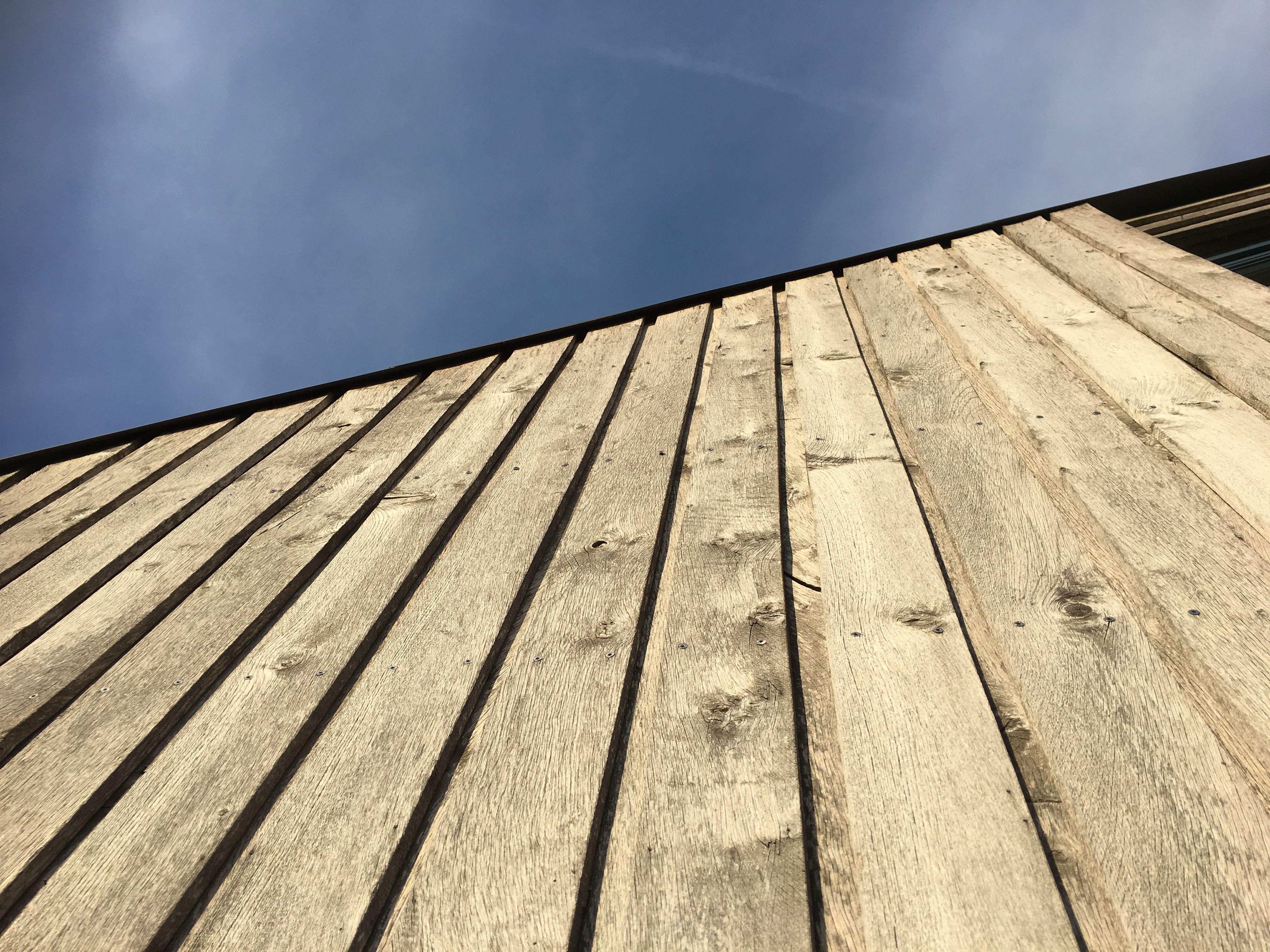 Holzfassade Eiche mit Edelstahlschrauben versehen