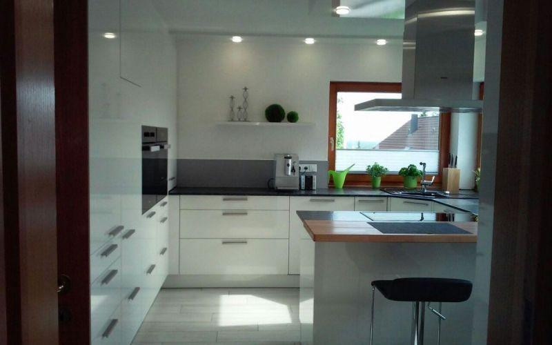 leicht k che k che in bissingen i leicht miele lack halbinsel ecksp le k che. Black Bedroom Furniture Sets. Home Design Ideas