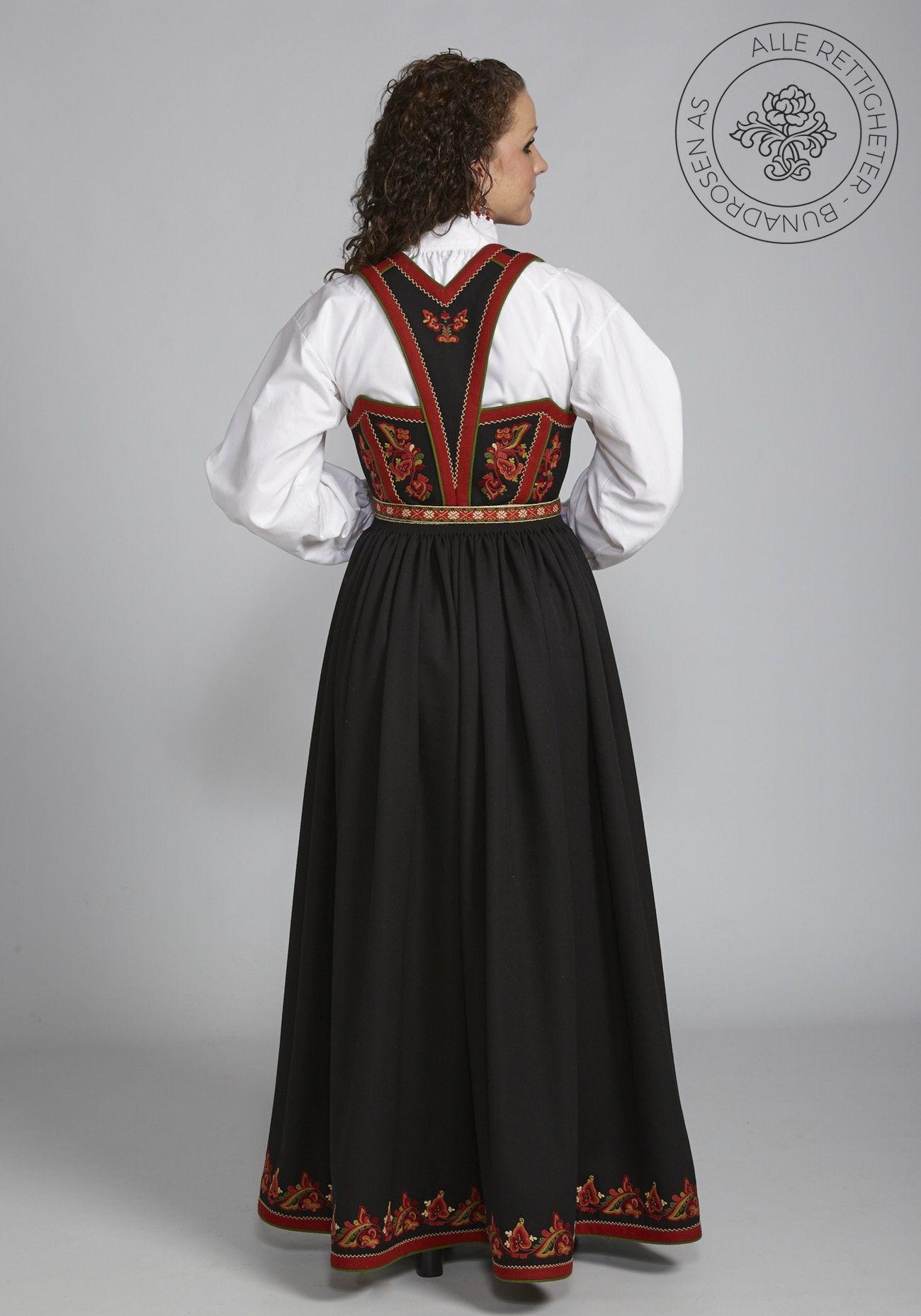 Photo of Vest-Telemarksbunad til dame – Bunadrosen AS | Bunadrosen