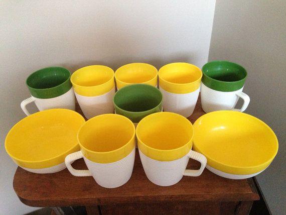 Vintage plastic bowls and mug set Raffiaware by MyForgottenAttic