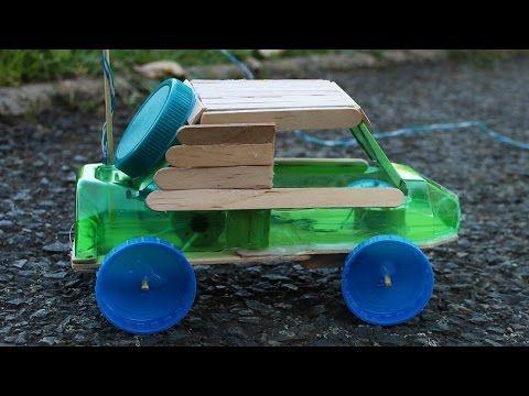 Como hacer un carro de juguete con una botella de plastico